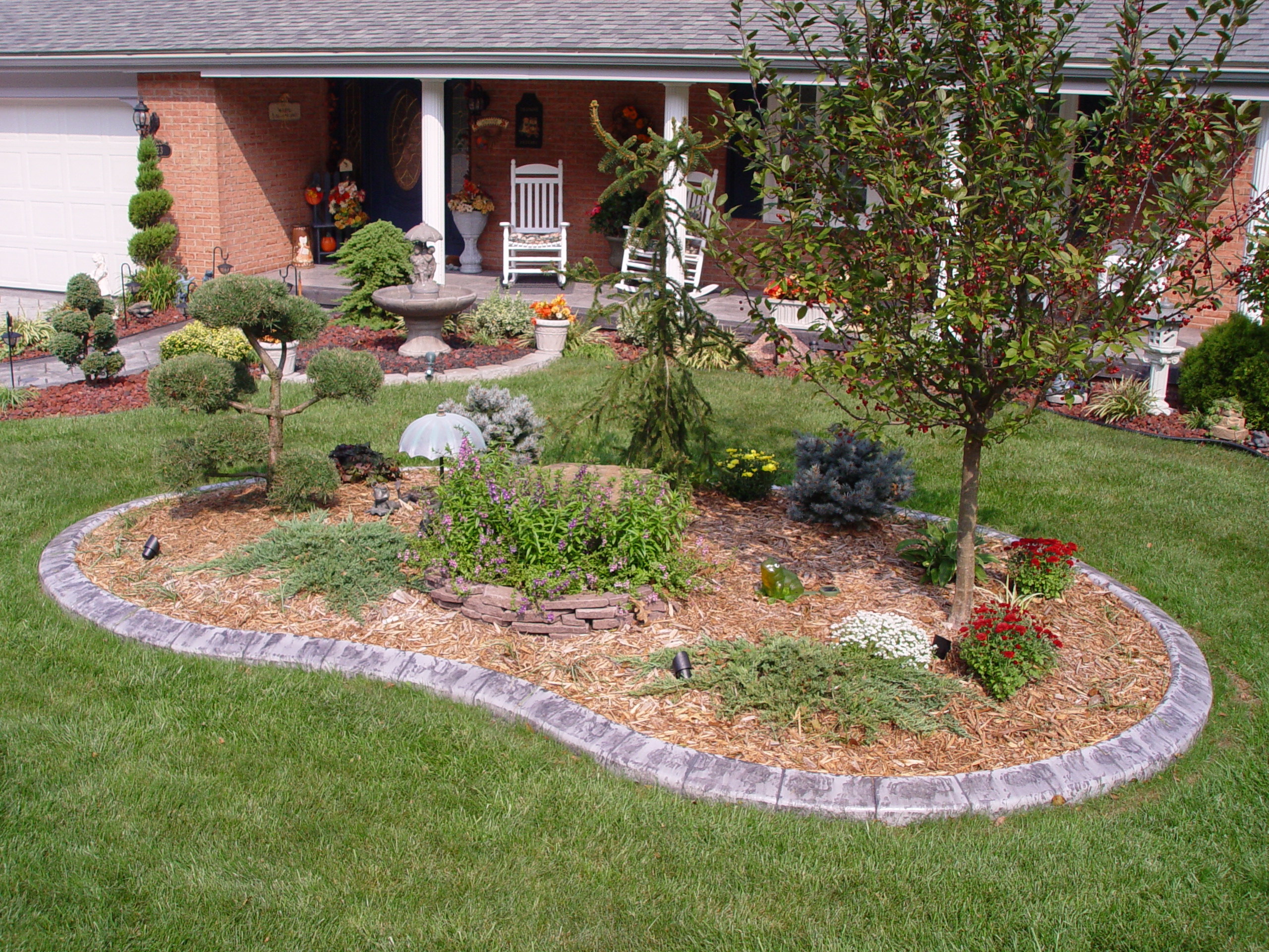 Add curb appeal the decorative edge for Curb appeal landscaping